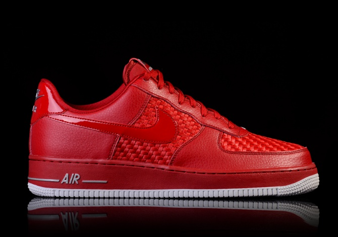 NIKE AIR FORCE 1 '07 LV8 GYM RED