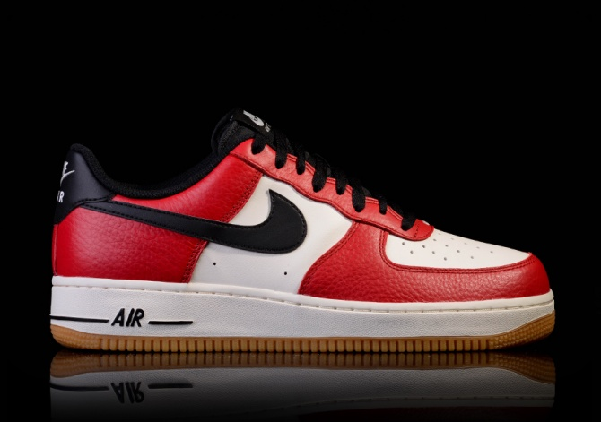 NIKE AIR FORCE 1 GYM RED/BLACK-GUM LIGHT BROWN-SAIL