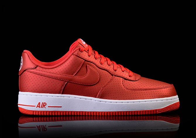 NIKE AIR FORCE 1 '07 LV8 ACTION RED