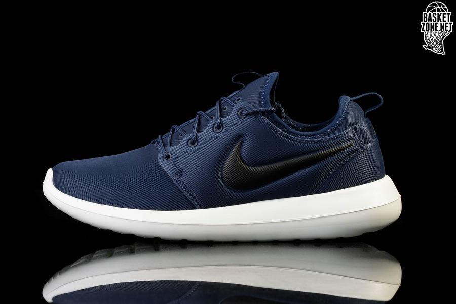 bufclo NIKE ROSHE TWO MIDNIGHT NAVY for €65,00 | Basketzone.net
