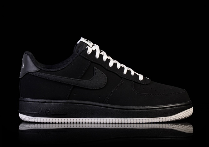 NIKE AIR FORCE 1 BLACK-SAIL