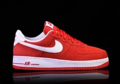 NIKE AIR FORCE 1 '07 UNIVERSITY RED
