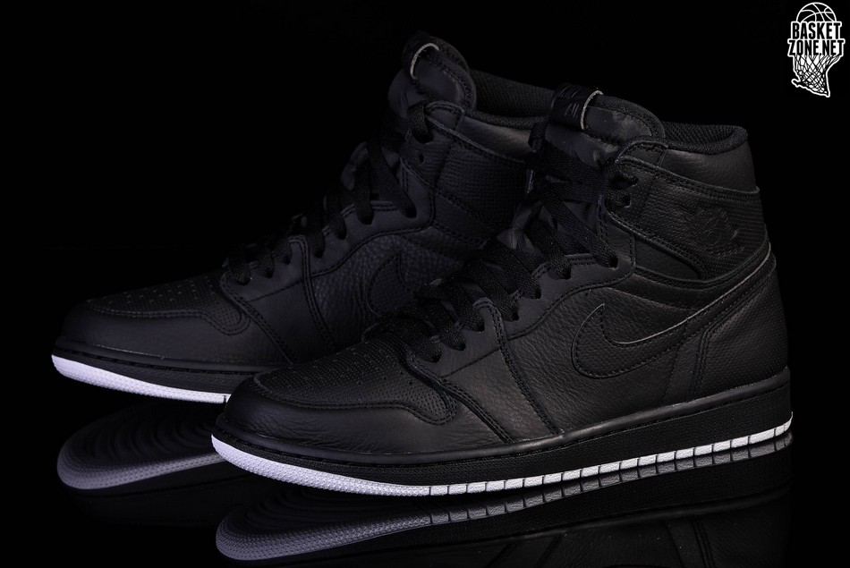 NIKE AIR JORDAN 1 RETRO HIGH OG BLACKOUT