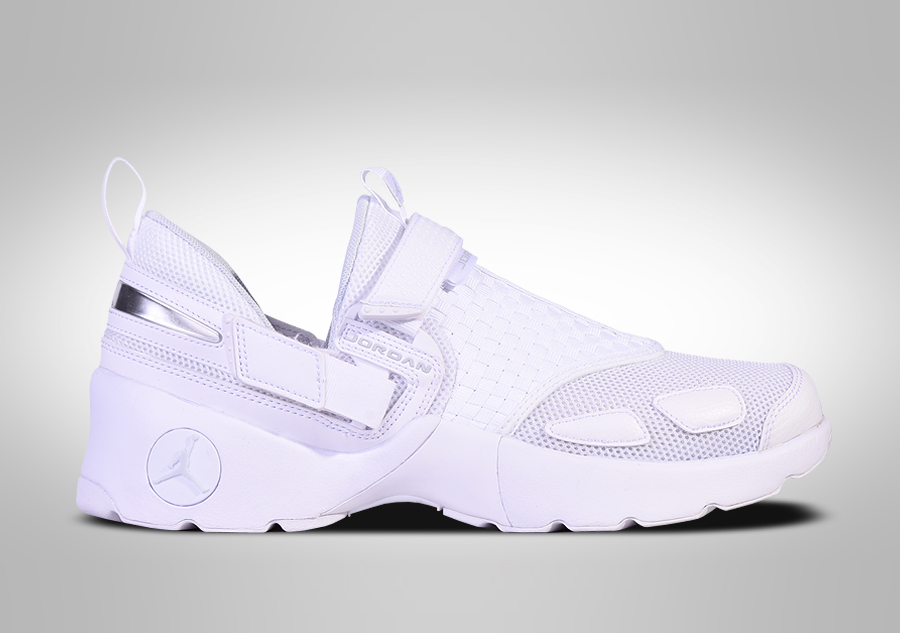 hot sale online 14501 94130 NIKE AIR JORDAN TRUNNER LX TRIPLE WHITE price €105.00   Basketzone.net
