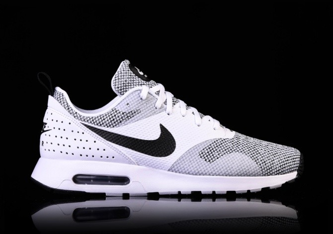 NIKE AIR MAX TAVAS PREMIUM BLACK & WHITE für €117,50