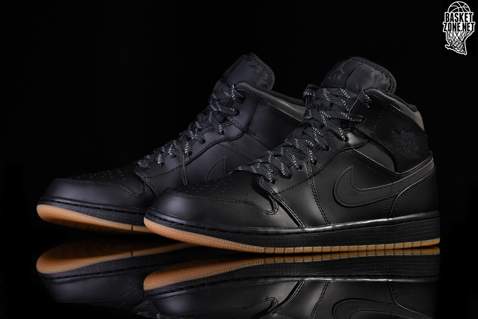 detailed look 80eb2 8c2ed NIKE AIR JORDAN 1 RETRO MID WINTERIZED BLACK