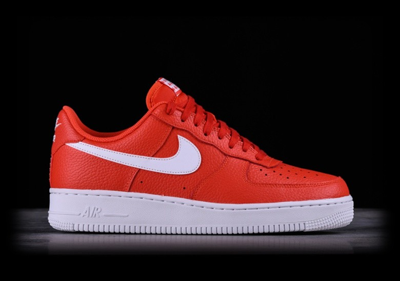 size 40 3cb8f 9c896 NIKE AIR FORCE 1  07 TEAM ORANGE