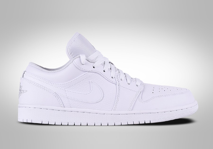 best sneakers cc861 6e5b7 NIKE AIR JORDAN 1 RETRO LOW TRIPLE WHITE