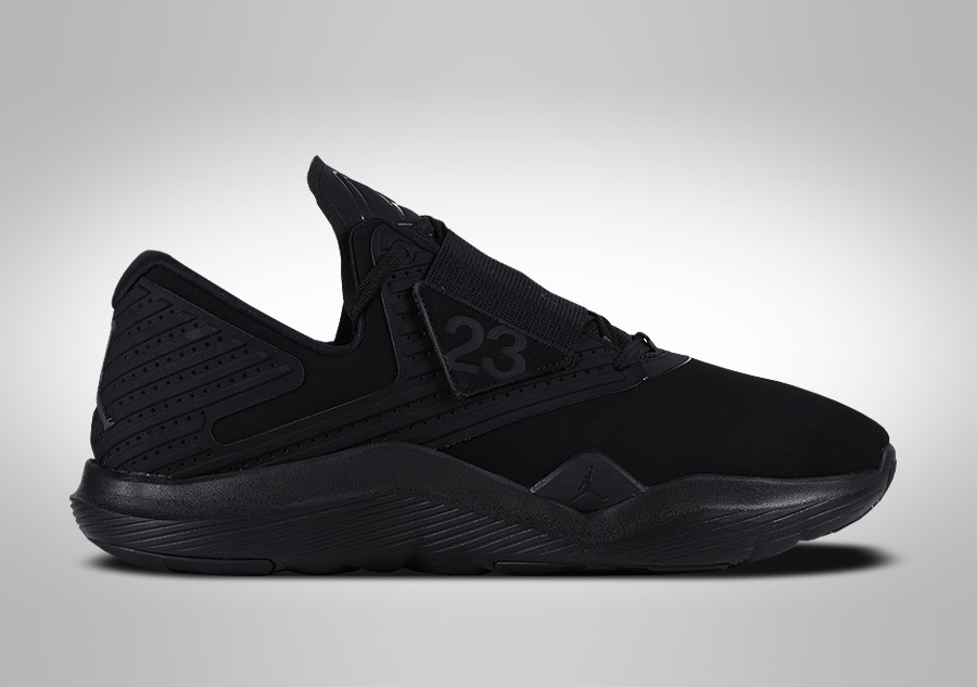 014d4f68a75d NIKE AIR JORDAN RELENTLESS TRIPLE BLACK price €89.00
