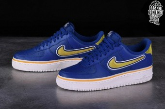 b7b38df7cc86 NIKE AIR FORCE 1  07 LV8 NBA SPORT PACK pour €92