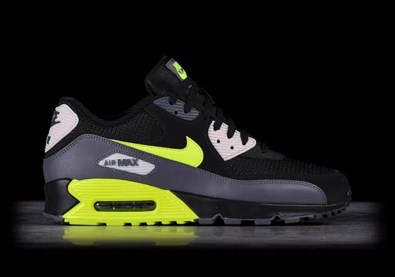 newest collection 98347 48c90 NIKE AIR MAX 90 ESSENTIAL BLACK VOLT pour €137,50 ...