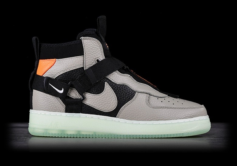 30e11a59a0a NIKE AIR FORCE 1 UTILITY MID SPRUCE FOG voor €137,50   Basketzone.net