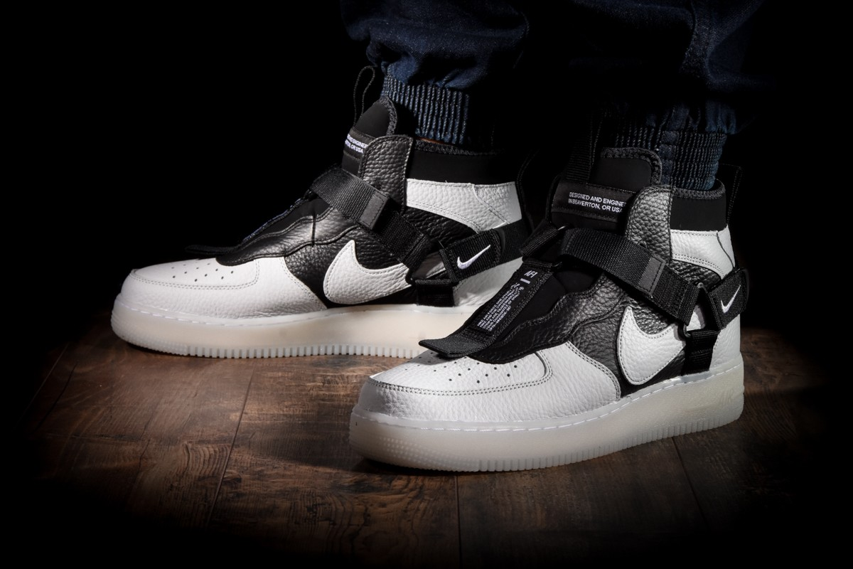 NIKE AIR FORCE 1 UTILITY MID for £130