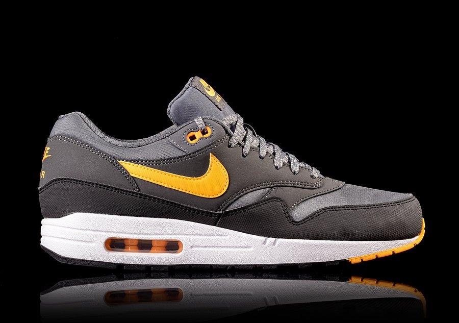 Nike Air Max 1 Orange