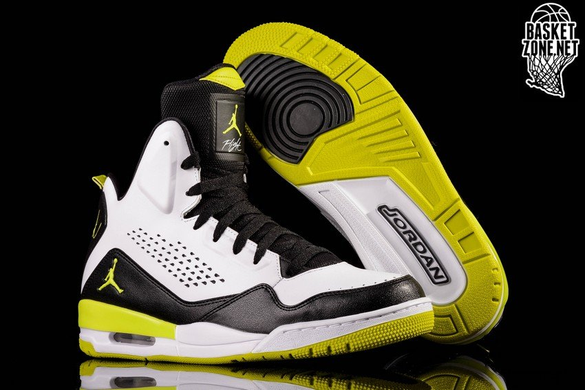 NIKE AIR JORDAN SC-3 WHITE VENOM GREEN BLK. 629877-132. PRICE: €105.00