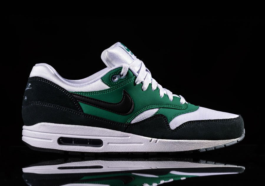 nike air max 1 black white green