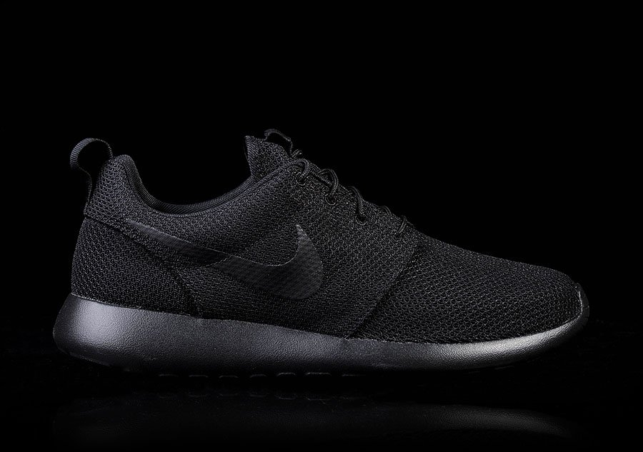 91b686277b91 NIKE ROSHE ONE INTENSE BLACK price €82.50