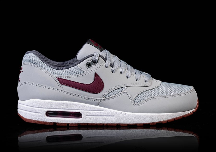 NIKE AIR MAX 1 ESSENTIAL WOLF GREY TEAM RED