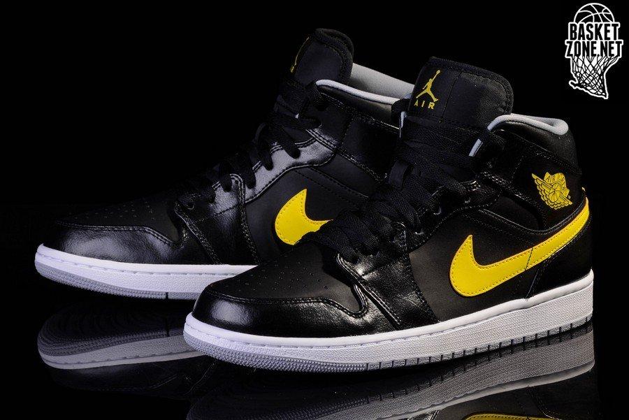 nike air jordan 1 black and yellow